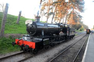 7820 [2014] GWR Manor Class 4-6-0 Dinmore Manor running round its train @ Cheltenham Racecourse Station [9]